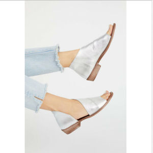 FREE PEOPLE MONT BLANC SILVER LEATHER SANDALS SHOE